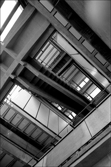 TU-Berlin, Fak. Architektur, Westliches Treppenhaus - © bildraum-f | fotografie
