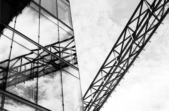 Geomterische Struktur: Raumfachwerk und Fassadenraster - © bildraum-f | fotografie