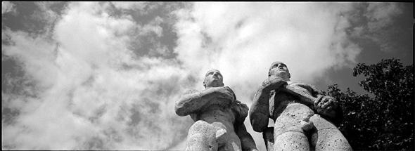 Großplastik die Staffelläufer K. Albiker | Olympiastadion - © bildraum-f | fotografie