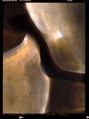 01 Large Divided Oval: Butterfly, Henry Moore, 1958, Bronze, Haus der Kulturen der Welt, Kongreßhalle Berlin