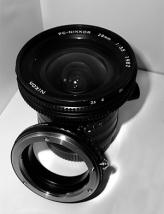 Nikon Adapter und PC-Nikkor 28mm f/3.5 AIs