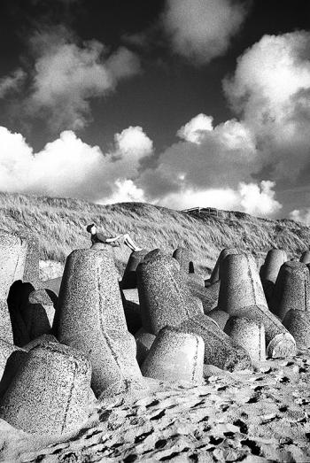 Karfreitag, Ostern   Tetrapoden Küstenschutz, Strandabschnitt nördlich von Wenningstedt, Sylt - © bildraum-f   fotografie