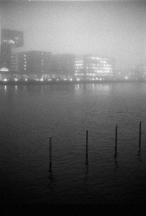 Canonet G-III 17, Winter 2013 in Berlin, Nebel über der Spree - © bildraum-f   fotografie