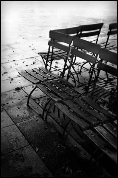 Herbstanfang auf dem Walter Benjamin Platz, Berlin august 2009 - © bildraum-f | fotografie