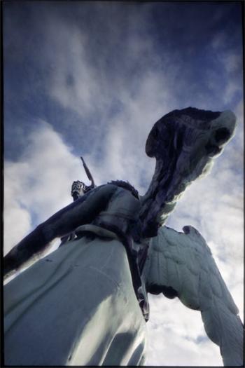 Himmel über Berlin, rueckansicht der Quadriga von Schadow auf dem Brandeburger Tor, Berlin, Standort: auf dem Tor! - © bildraum-f | fotografie