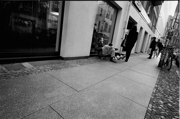 Hackeschen Markt |Bürgersteig in der Neue Schoenhauser Strasse