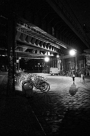 In finsterer Nacht - Hackescher Markt Berlin Mitte - © bildraum-f   fotografie
