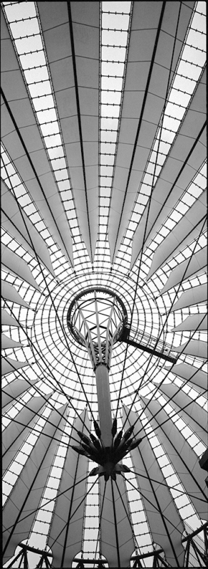 Dachkonstruktion Sony Center Berlin am Postdamer Platz. Architekt Helumt Jahn - © bildaum-f.com | fotografie